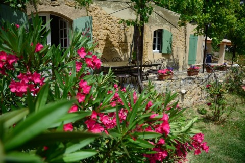 Long Term Rentals in France, Lauris, Aix-en-Provence